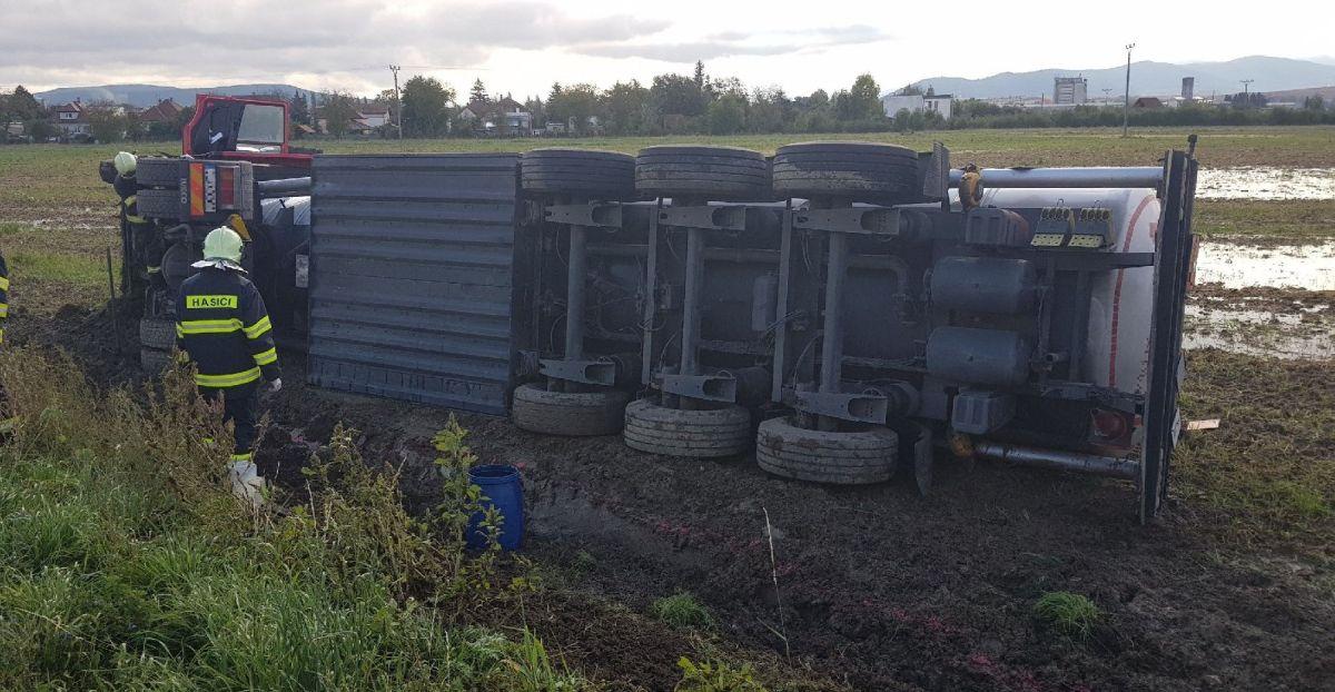 cisterna nehoda chynorany kr hazz