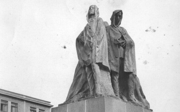pomnik snp partizanske susosie obrancovia